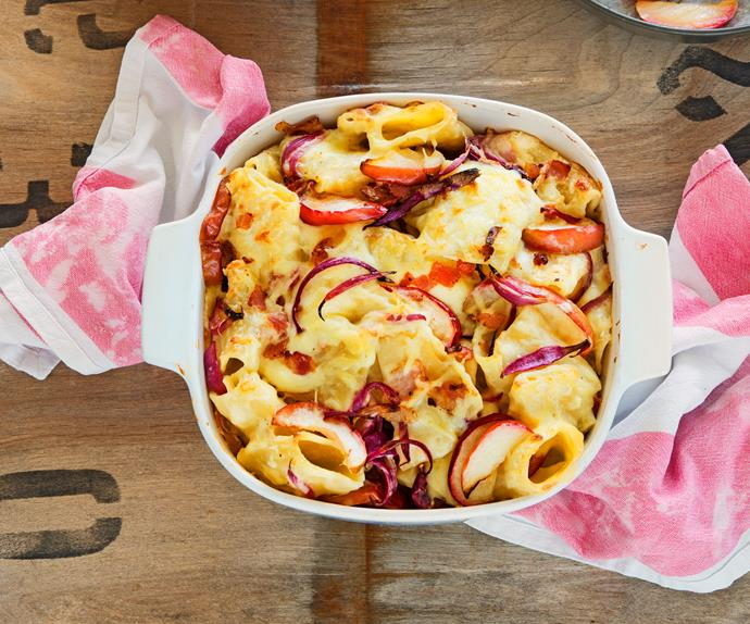Alpine macaroni with roasted apples