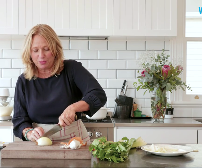 How to perfectly chop an onion with Nici Wickes
