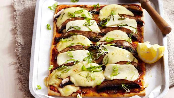Mushroom and haloumi pizza