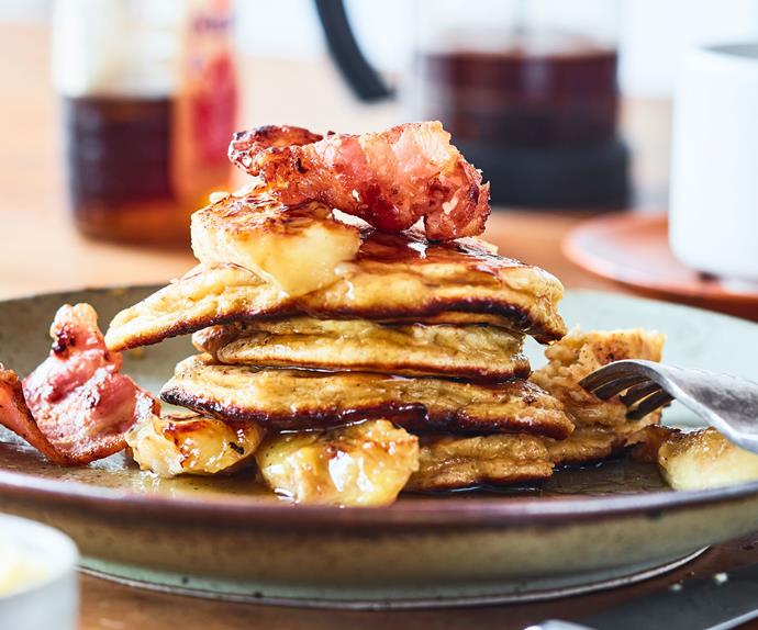 Magical banana pancakes with bacon