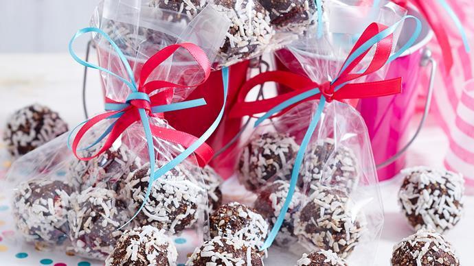 chocolate chia bliss balls