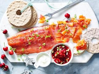 salmon gravlax accompaniments