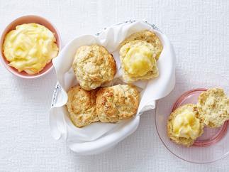 scones with lemon curd