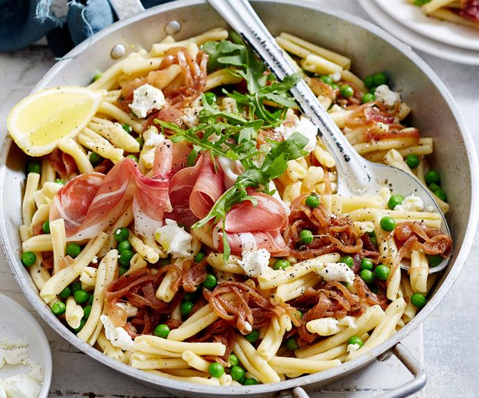 Caramelised red onion pasta with prosciutto and rocket