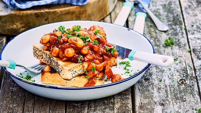 Campsite barbecue baked beans