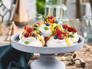 Magic mini vegan pavlovas (dairy-free and gluten-free)