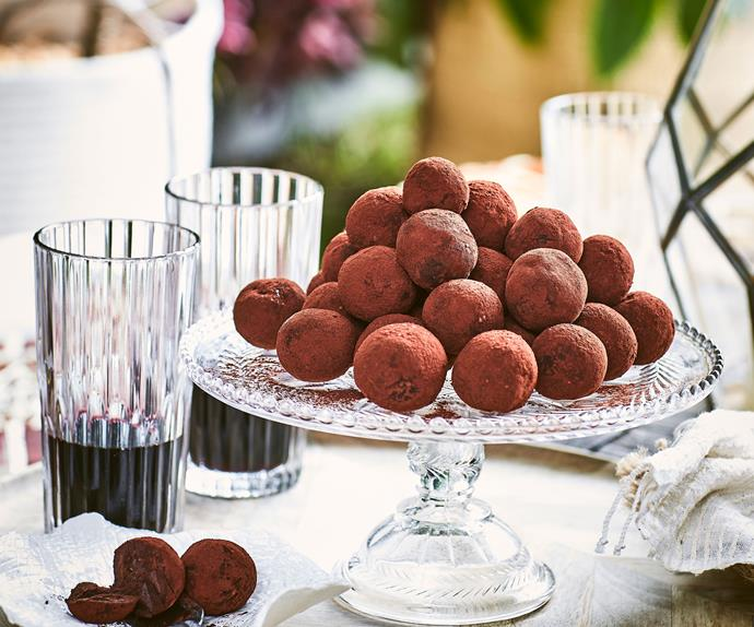 Dark chocolate and avocado truffles