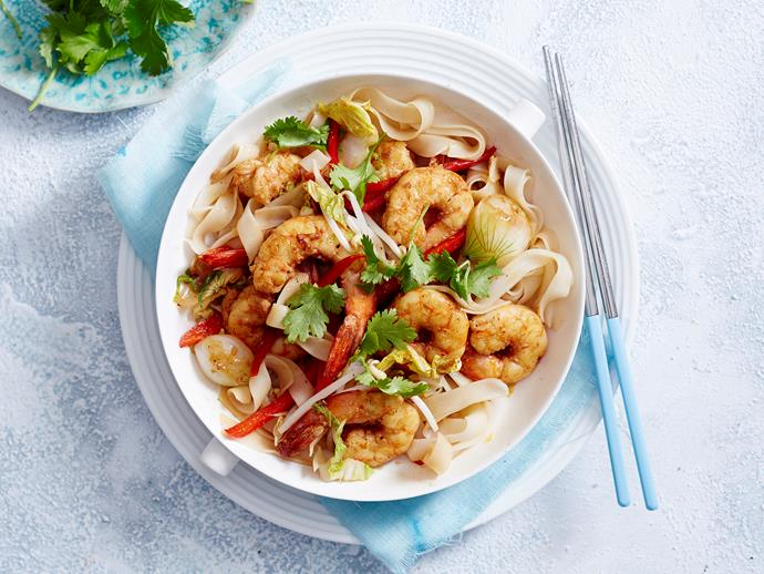 "**[Honey prawn stir-fry](https://www.womensweeklyfood.com.au/recipes/honey-prawn-stir-fry-2896|target=""_blank"")**  Stir-fried prawns are tossed through sweet honey and soy sauce and are served with thick rice noodles for a filling, delicious and healthy family dinner idea."