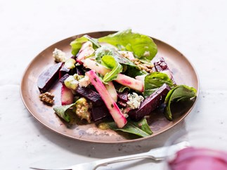 Beetroot, rocket and apple salad with walnut cider dressing