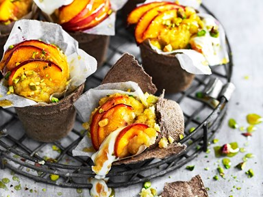 Peach, honey and yoghurt cake pots with pistachio