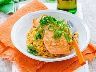 Grilled salmon fillets with cheesy creamed corn