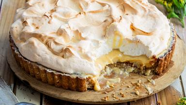 The best-ever lush lemon meringue pie