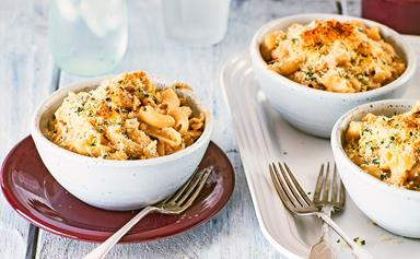 Baked macaroni cheese with French onion soup sauce