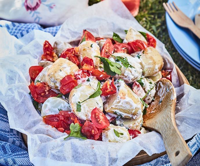 Potato salad with tomatoes