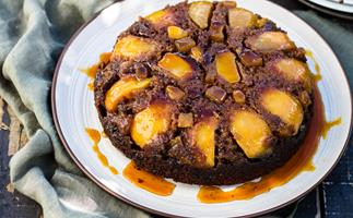 Pear and gingerbread upside-down cake