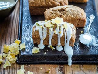 Feijoa, ginger and nut mini loaves with lemony icing