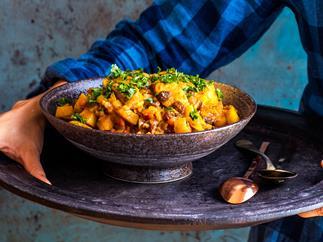Kiwi lamb sausage, kumara and apple curry