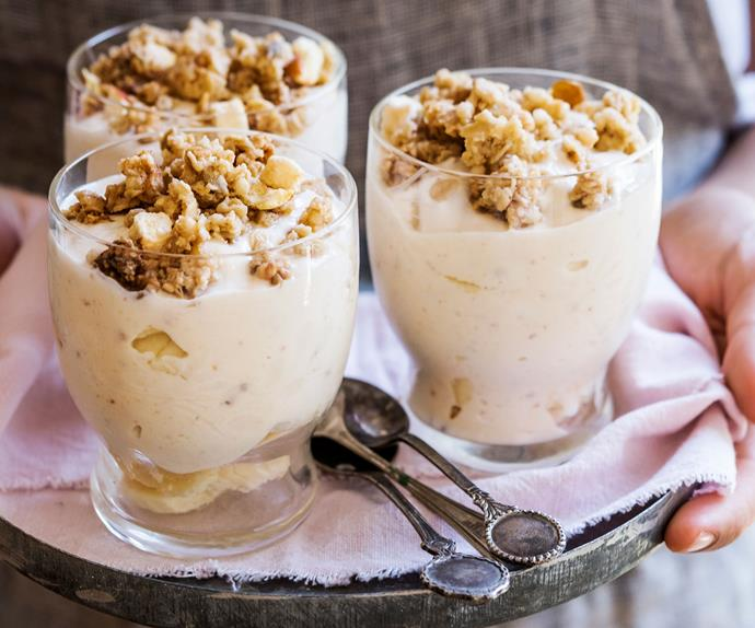 Banana nut-butter yoghurt breakfast pots