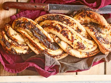 Cheese bread twist with confit red onion