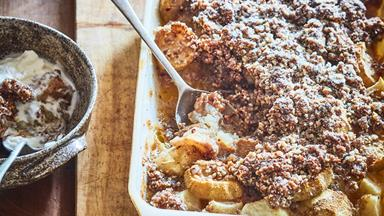 Feijoa and apple hazelnut ginger crumble