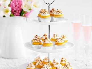Mini lemon meringue cupcakes