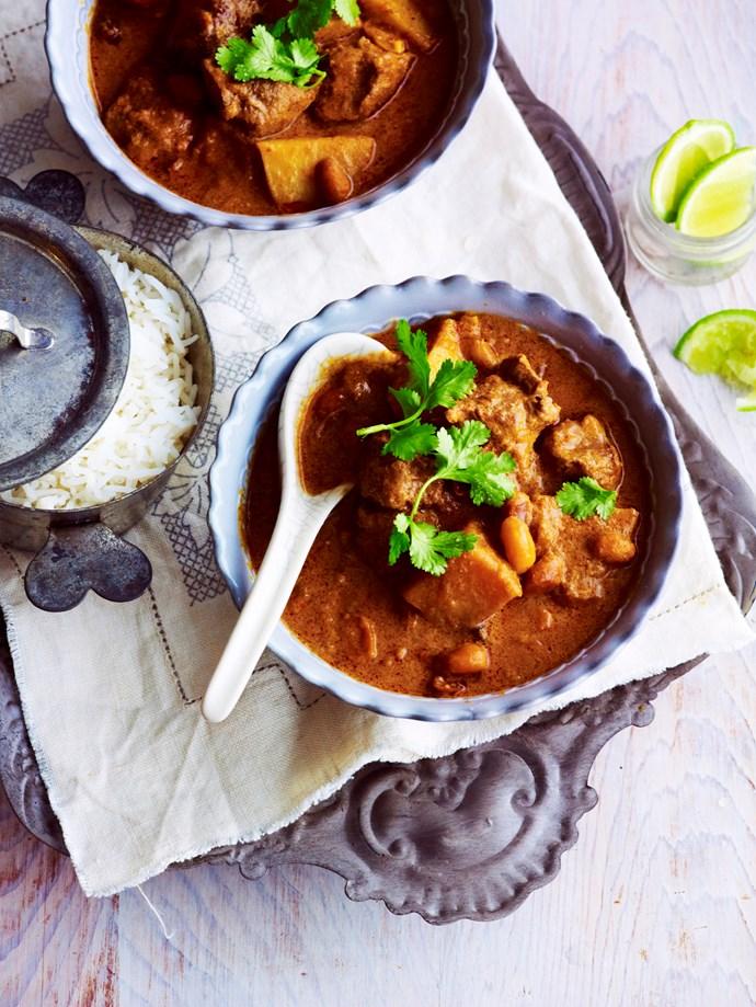 "[Slow cooker massaman beef curry.](http://www.foodtolove.com.au/recipes/slow-cooker-massaman-beef-curry-19922|target=""_blank"")"
