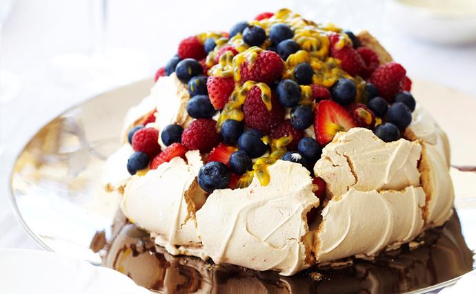 pavlova with cream and berries
