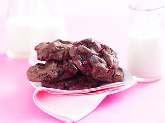 Chocolate chunk & raspberry cookies