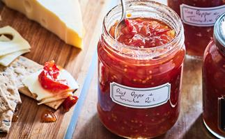 Red pepper and tomato relish