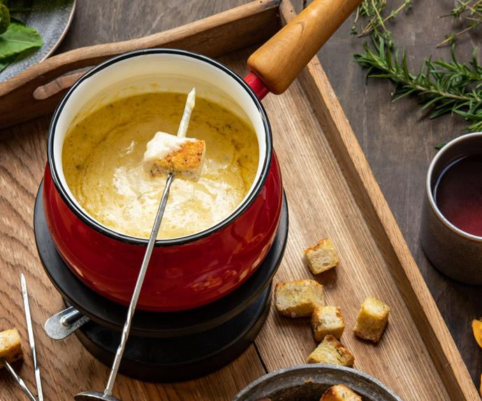 Cheese and herb fondue