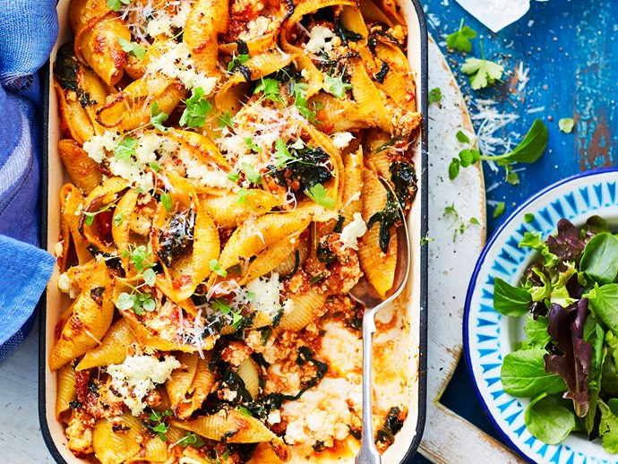 Spinach and ricotta-stuffed pasta shell bake