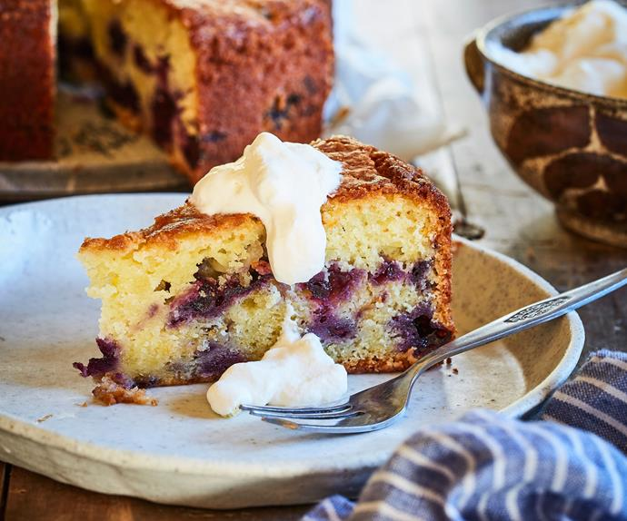 Lemon and blueberry yoghurt cake