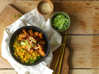 Honey, soy and chilli chicken with vegetable medley rice