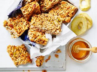 Apple pie muesli bars