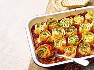 Cheesy lasagne rotolo