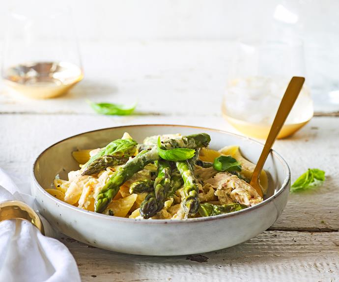 Dreamy chicken and asparagus pasta