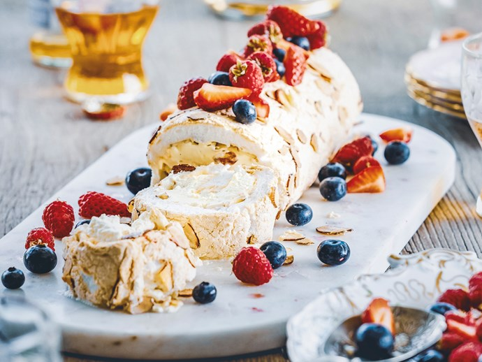 Berry pavlova roll