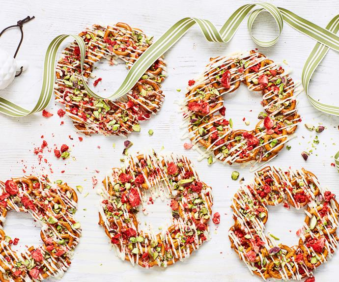 Sweet and salty pretzel wreaths