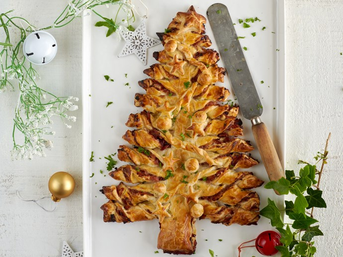 Ham and cranberry pull-apart Christmas tree