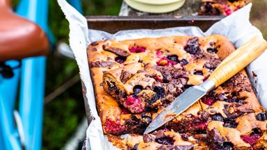 Berry and chunky chocolate slice