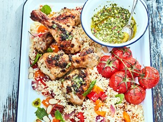 Bulghur salad with chimichurri chicken drumsticks