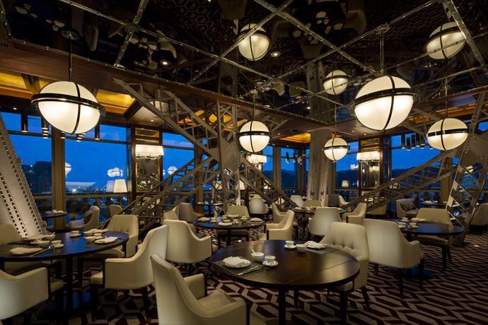 The luxurious Macau Parisian Hotel's La Chine restaurant.