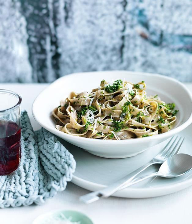 "[**Fettucine with kale and pecorino pesto**](https://www.gourmettraveller.com.au/recipes/fast-recipes/fettuccine-with-kale-and-pecorino-pesto-13582|target=""_blank"") <br><br> This fettuccine recipe is super easy to make. The homemade pesto with pecorino, kale, basil and almonds complements the soft swirls of fettuccine, making this dish a simple yet delicious mid-week favourite."