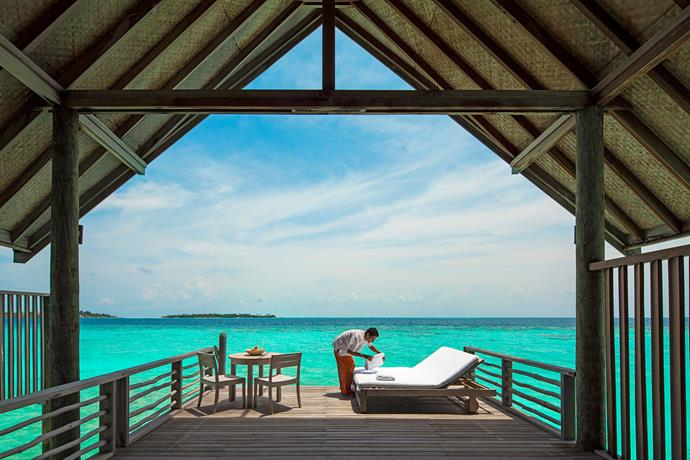 Loft Villa private sundeck at Como Cocoa Island
