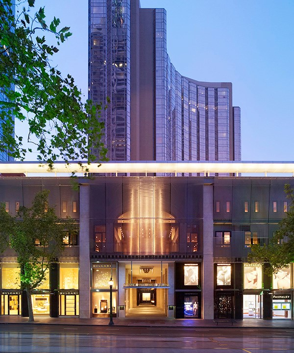 "**LARGE HOTEL OF THE YEAR** <br> The most successful large hotels must operate like a well-oiled machine. With more than 100 rooms to attend to, restaurants and bars to run, large numbers of staff to manage, complex facilities to maintain and – most importantly – all those myriad guest expectations to manage, it's no easy task winning a nomination for our Large Hotel of the Year award. <br><br> **FINALISTS** <br> **Grand Hyatt Melbourne (pictured),** *123 Collins St, Melbourne, Vic, [melbourne.grand.hyatt.com](https://melbourne.grand.hyatt.com/en/hotel/home.html|target=""_blank"")* <br> **Macq01,** *18 Hunter St, Hobart, Tas, [macq01.com.au](http://www.macq01.com.au/