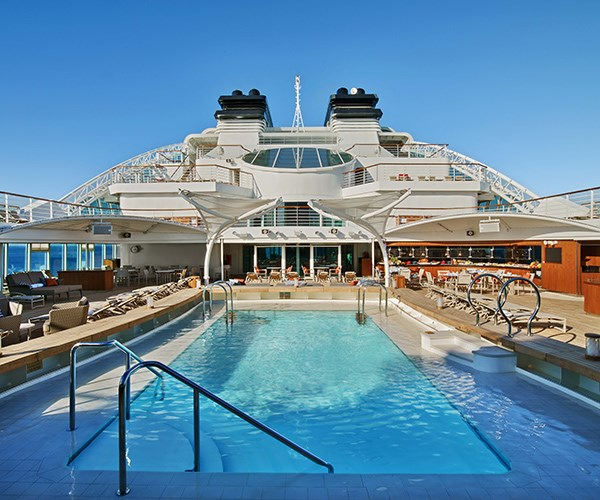 The *Seabourn Ovation* pool deck