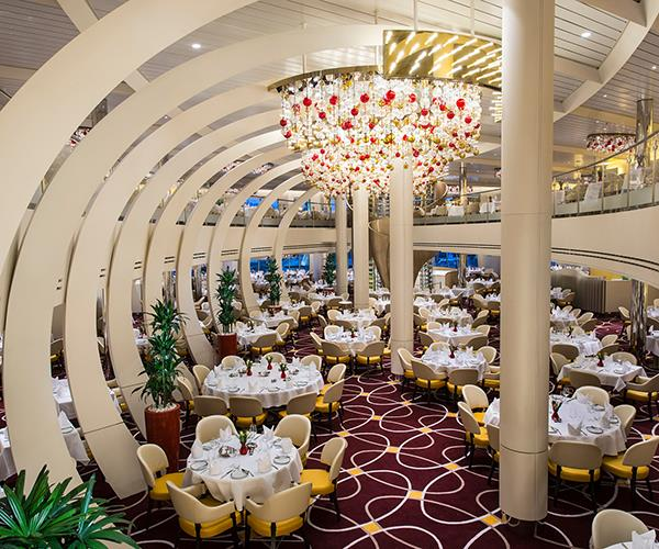 *Nieuw Statendam*'s restaurant, The Dining Room