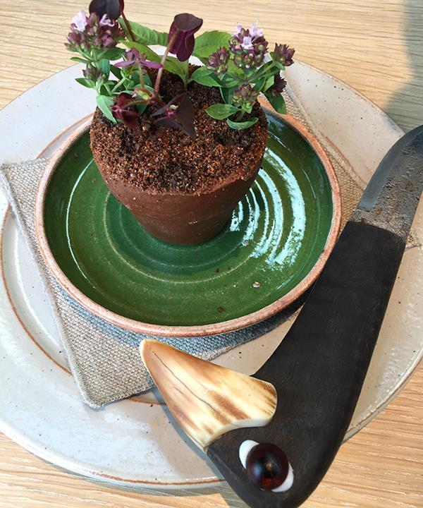 Rose-scented terracotta