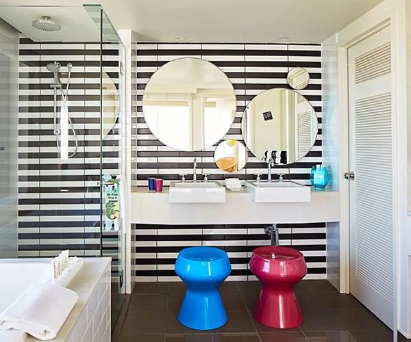 QT King Suite Ocean View bathroom