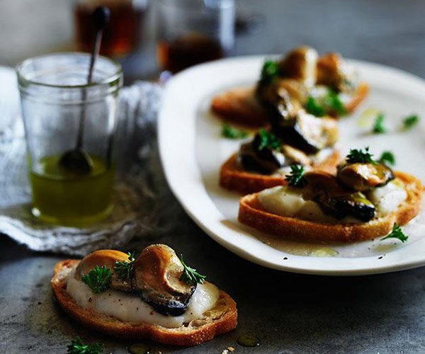 **[Smoked oyster crostini with cauliflower and fennel cream](https://www.gourmettraveller.com.au/recipes/browse-all/smoked-oyster-crostini-with-cauliflower-and-fennel-cream-11764)**